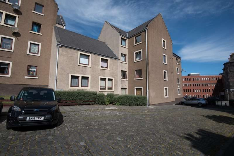 3 Bedrooms Flat for sale in Hopefield Terrace, Leith, Edinburgh, EH6