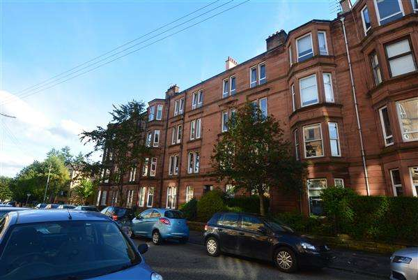 2 Bedrooms Flat for sale in Onslow Drive, Dennistoun, G31