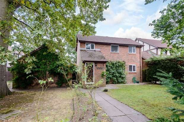 3 Bedrooms Detached House for sale in Bickney Way, Fetcham, Leatherhead, Surrey