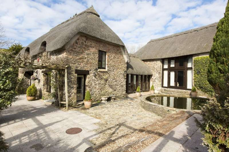 4 Bedrooms Detached House for sale in Combe Thatch, Combe, Malborough, Kingsbridge