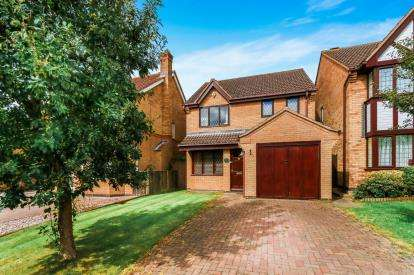 3 Bedrooms Detached House for sale in Hollow Wood, Olney, Buckinghamshire, Olney
