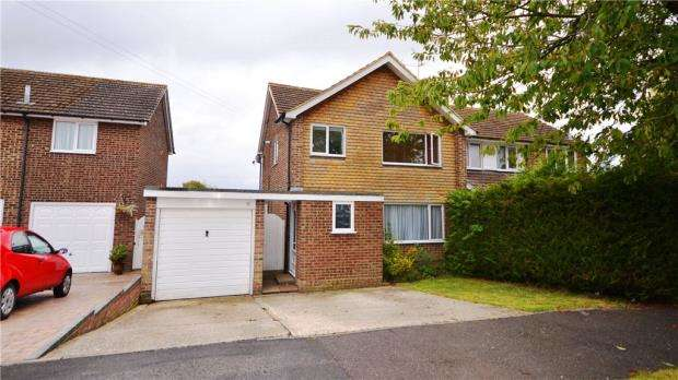 3 Bedrooms Semi Detached House for sale in Tintagel Close, Basingstoke, Hampshire