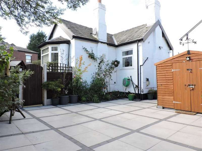 2 Bedrooms Property for sale in Offerton Lane, Stockport