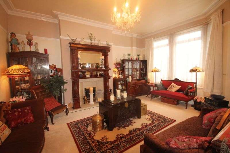 6 Bedrooms Semi Detached House for sale in Clairville Road, Longlands