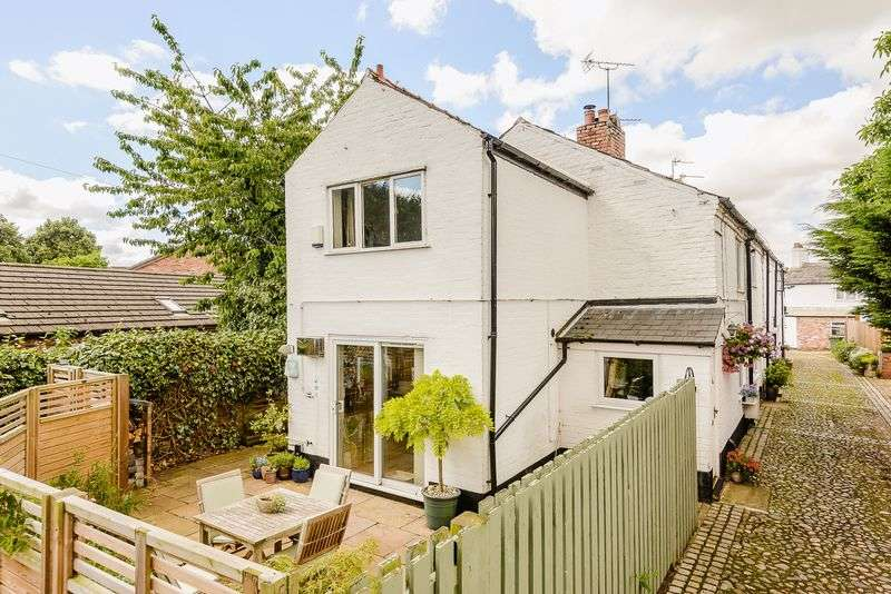 2 Bedrooms House for sale in Weaverham, Northwich