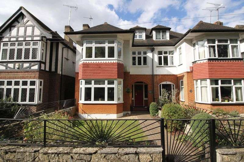 4 Bedrooms Semi Detached House for sale in Mapperley Drive, Woodford Green