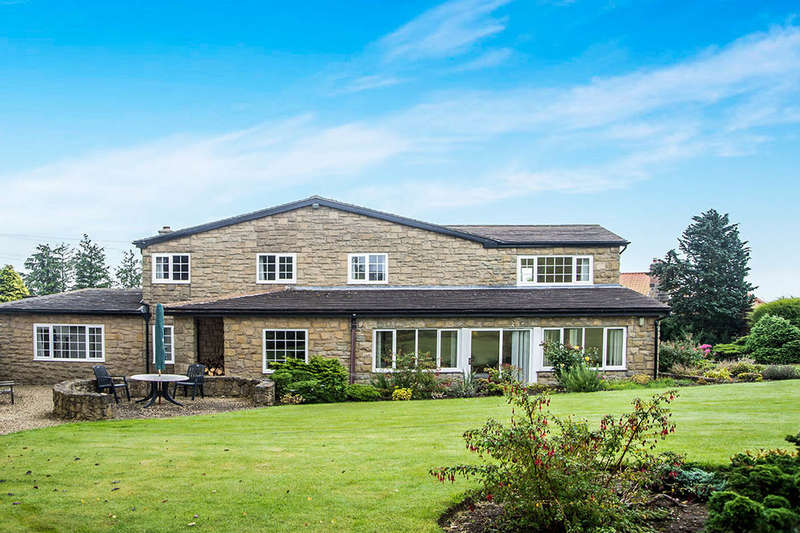 4 Bedrooms Detached House for sale in Field House, Newton-On-The-Moor, Morpeth, NE65