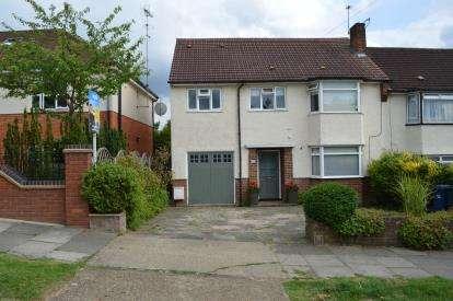 4 Bedrooms Semi Detached House for sale in Margaret Road, Barnet