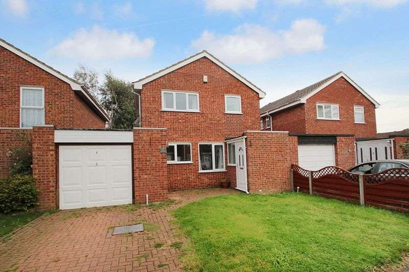 3 Bedrooms Detached House for sale in Brayfield Way, Old Catton, Norwich