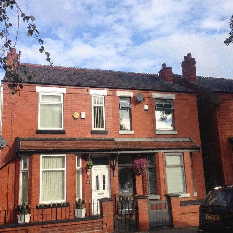 3 Bedrooms Semi Detached House for sale in Cheletenham Road, Cheadle Heath