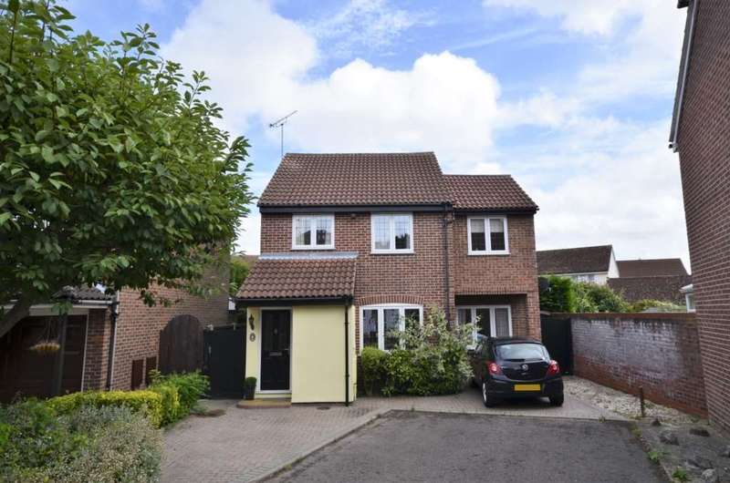 4 Bedrooms Detached House for sale in Princes Court, Billericay