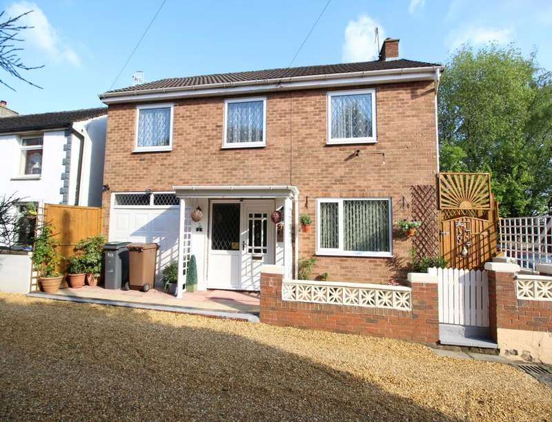 3 Bedrooms Detached House for sale in Silver Street, Norton Le Moors, Stoke-On-Trent, ST6
