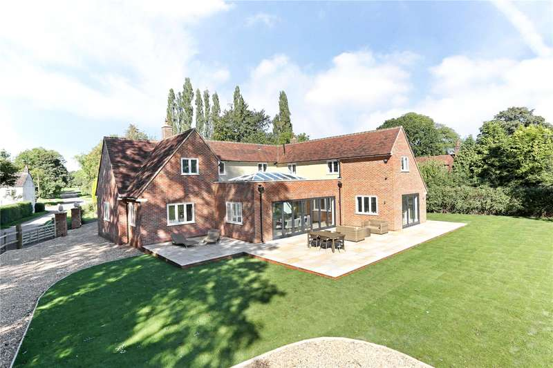 5 Bedrooms Detached House for sale in Bovingdon Green, Bovingdon, Hemel Hempstead, Hertfordshire, HP3