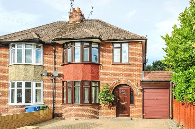 4 Bedrooms Semi Detached House for sale in Florence Road, College Town, Sandhurst, Berkshire, GU47