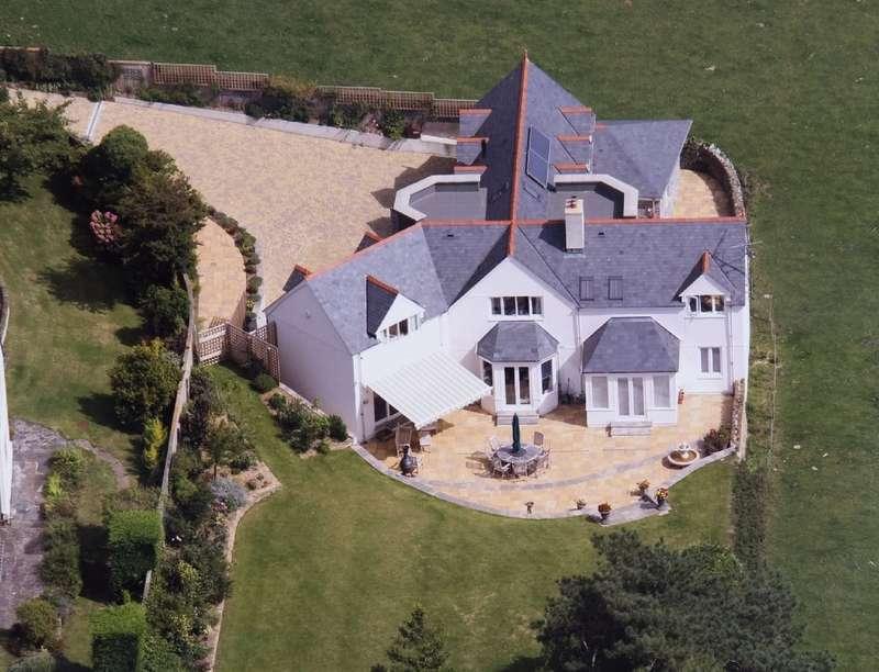 4 Bedrooms Detached House for sale in Queens Croft, South Milton, Kingsbridge