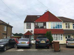 4 Bedrooms Semi Detached House for sale in June Close, Coulsdon, Surrey, England