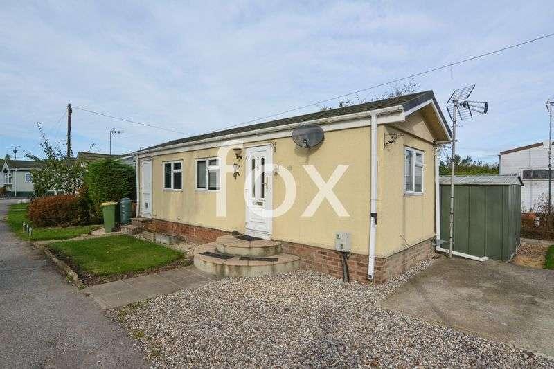 1 Bedroom Detached Bungalow for sale in Dome Caravan Park, Hockley