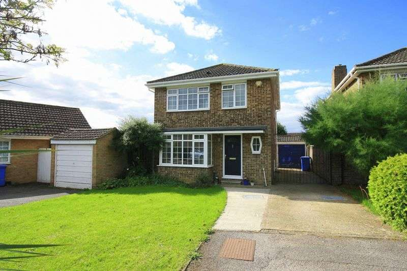 3 Bedrooms Detached House for sale in Brompton Drive, Maidenhead