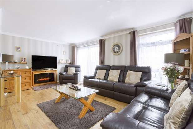 3 Bedrooms Terraced House for sale in St Peters Garden, West Norwood