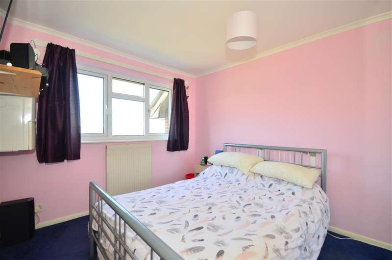 3 Bedrooms Terraced House for sale in Perowne Way, Sandown, Isle of Wight