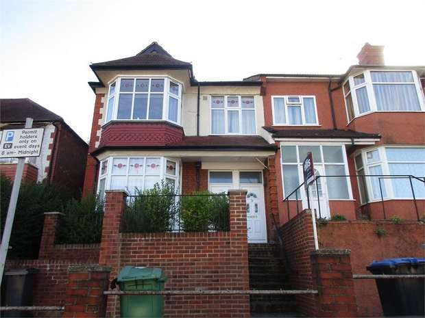 3 Bedrooms Maisonette Flat for sale in Park Lane, Wembley