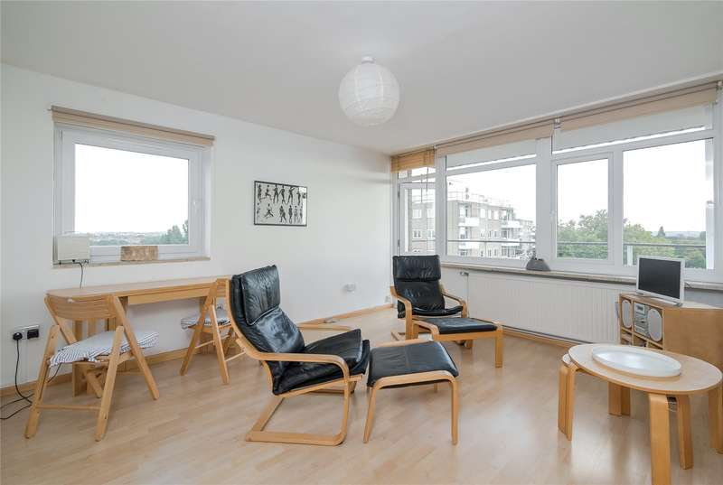 2 Bedrooms Flat for sale in Woodhall House, Fitzhugh Grove, London, SW18