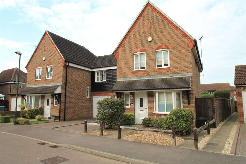 4 Bedrooms Semi Detached House for sale in The Poplars, Littlehampton, West Sussex, BN17