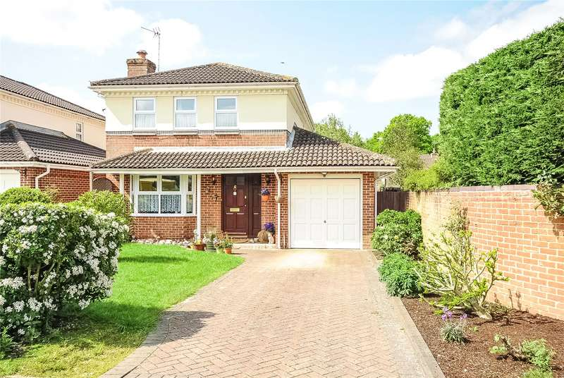 4 Bedrooms Detached House for sale in Beedon Drive, Bracknell, Berkshire, RG12