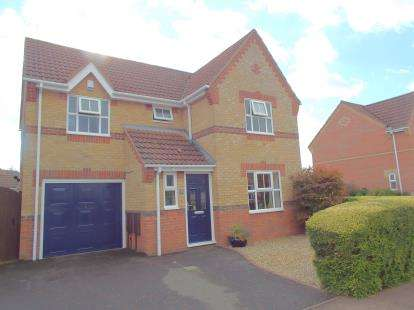 4 Bedrooms Detached House for sale in Drayton, Norwich, Norfolk