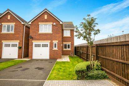 4 Bedrooms Detached House for sale in Clover Birches, Ellesmere Port, Cheshire, CH65
