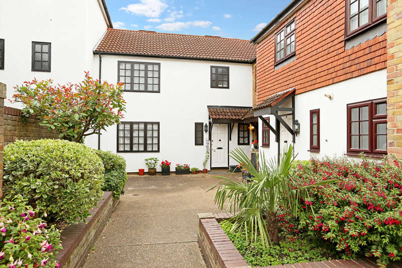 3 Bedrooms Terraced House for sale in The Farthings, Kingston upon Thames, KT2