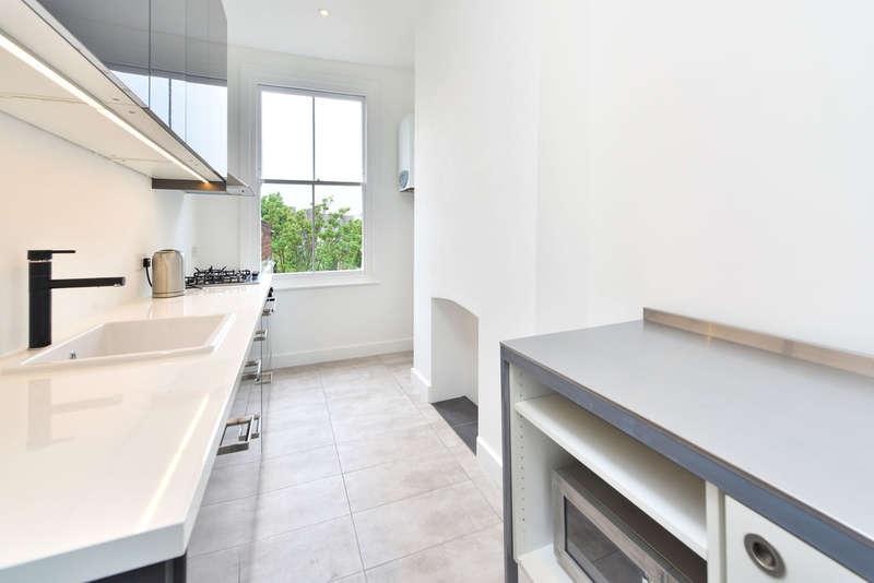 1 Bedroom Flat for sale in Highbury Park, N5 1UA
