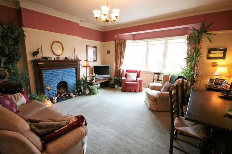 3 Bedrooms Maisonette Flat for sale in Hornby Road, St. Annes