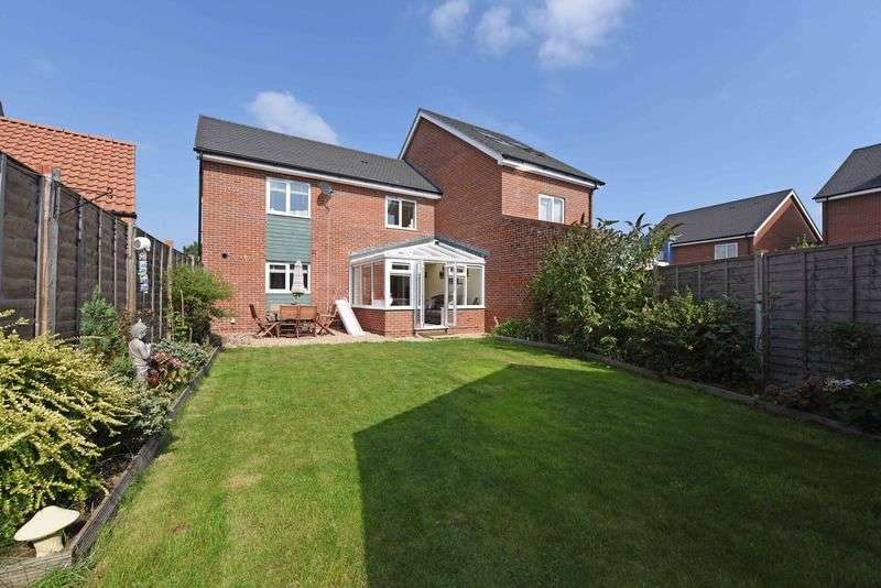 3 Bedrooms Semi Detached House for sale in Spacious 3 Bed Semi-Detached House