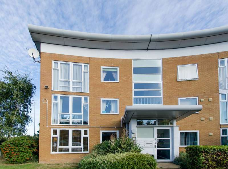 1 Bedroom Flat for sale in Grimsby Grove, Gallions Reach, E16