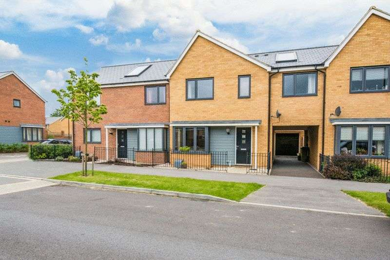 3 Bedrooms Semi Detached House for sale in Butter Row, Wolverton, Milton Keynes