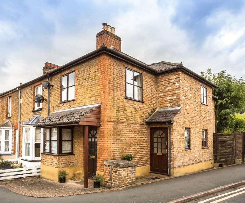 1 Bedroom Flat for sale in Alexandra Road, Englefield Green