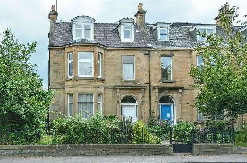 2 Bedrooms Flat for sale in 48/2 Craigmillar Park, Newington, Edinburgh, EH16 5PS