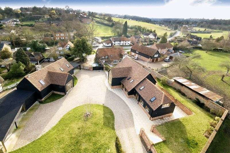 5 Bedrooms Detached House for sale in Cookham Dean.