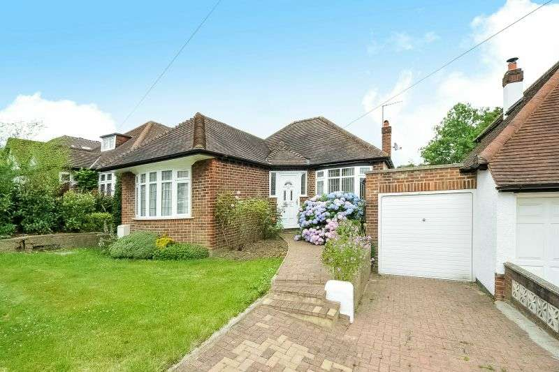 2 Bedrooms Detached Bungalow for sale in Hillside Gardens, Northwood