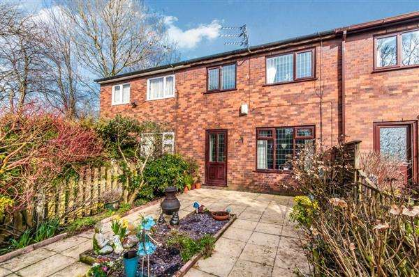 3 Bedrooms Terraced House for sale in Newchurch, Oldham