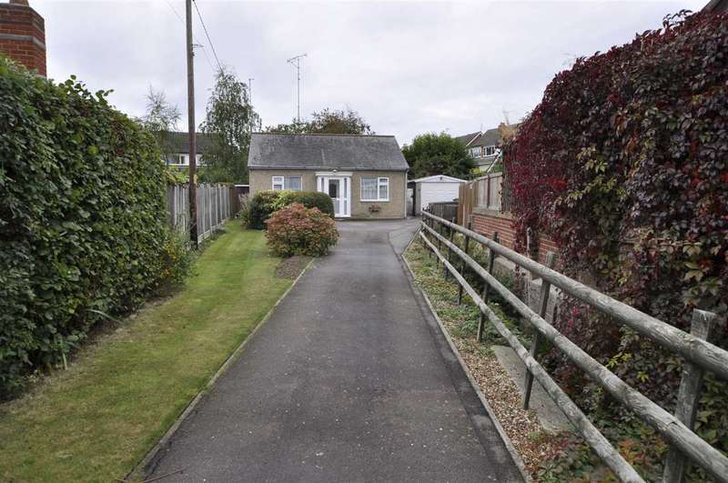 2 Bedrooms Detached House for sale in Main Road, Chelmsford