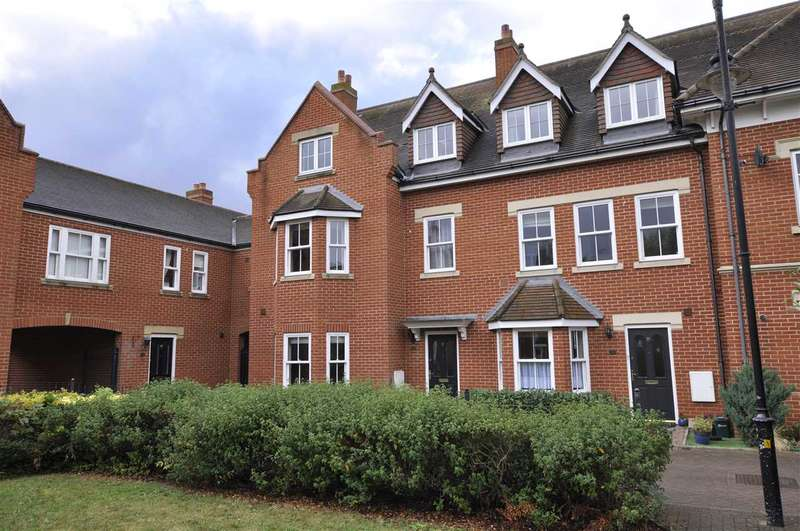 4 Bedrooms Town House for sale in Telford Place, Chelmsford