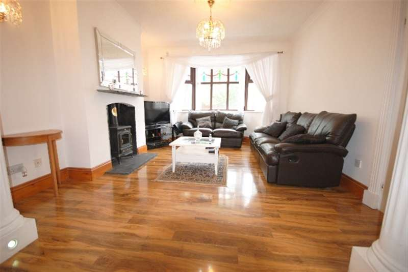 4 Bedrooms Semi Detached House for sale in Somerville Road, Swinley, Wigan, WN1