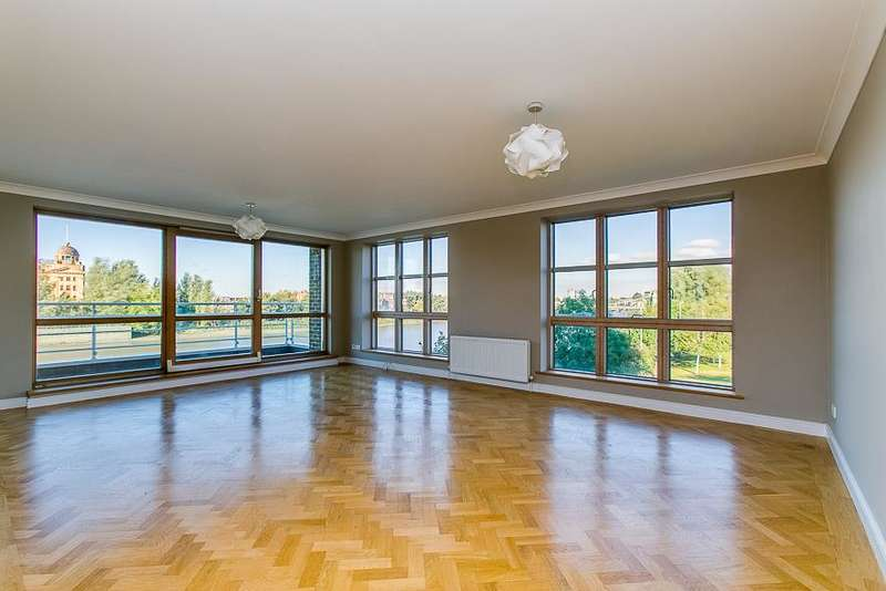 3 Bedrooms Flat for sale in King Henry's Reach, Manbre Road, London, W6