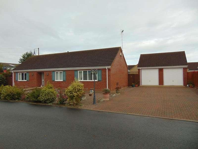 3 Bedrooms Detached Bungalow for sale in Leach Close, Wisbech, Cambridgeshire, PE13 2QQ