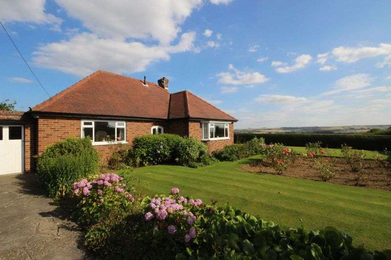 2 Bedrooms Detached Bungalow for sale in Osgodby Lane, Scarborough