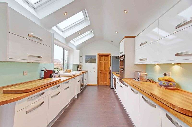 4 Bedrooms Semi Detached House for sale in Little Marlow Road, Marlow