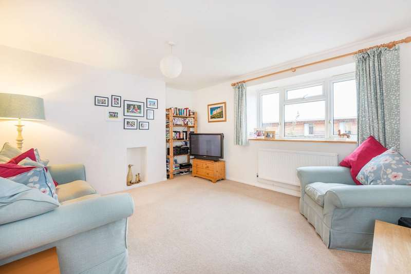 3 Bedrooms Flat for sale in Church Path, Chiswick, W4