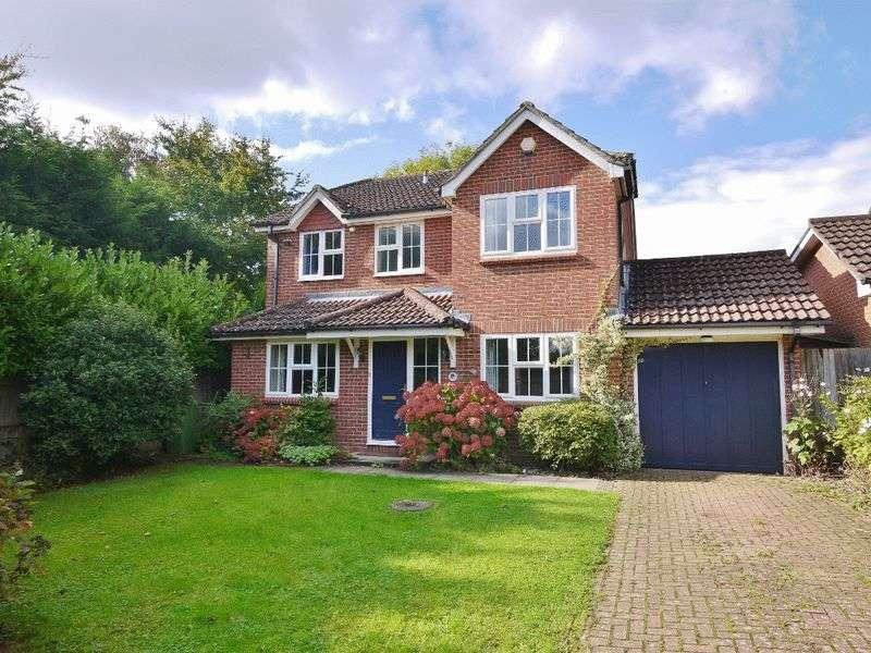 4 Bedrooms Detached House for sale in Cornford Park, Pembury